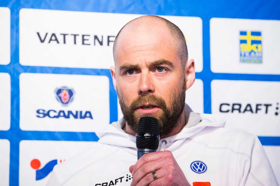 Rikard Grip har varit Stina Nilssons personliga tränare de senaste säsongerna. Nu meddelar han att han enbart kommer ha ett övergripande ansvar för landslaget.
