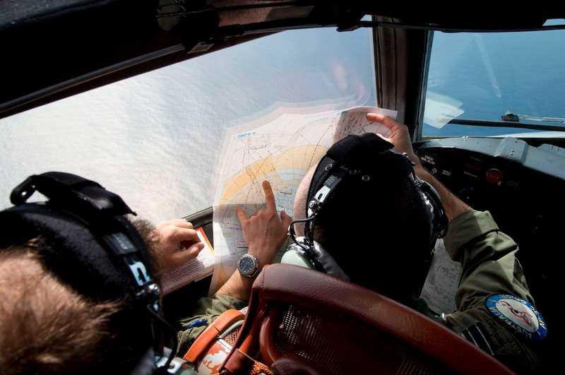 STORA SÖKINSATER Det australiensiska flygvapnet söker efter spår i jakten på det försvunna MH370.