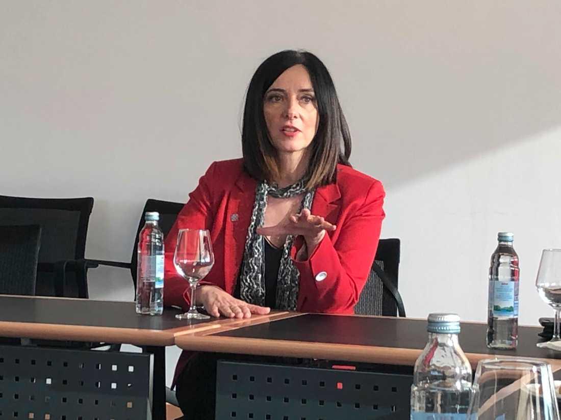 Utbildningsminister Blazenka Divjak hoppas kunna hålla kvar befolkningen i Kroatien med hjälp av ett modernare undervisningssystem.