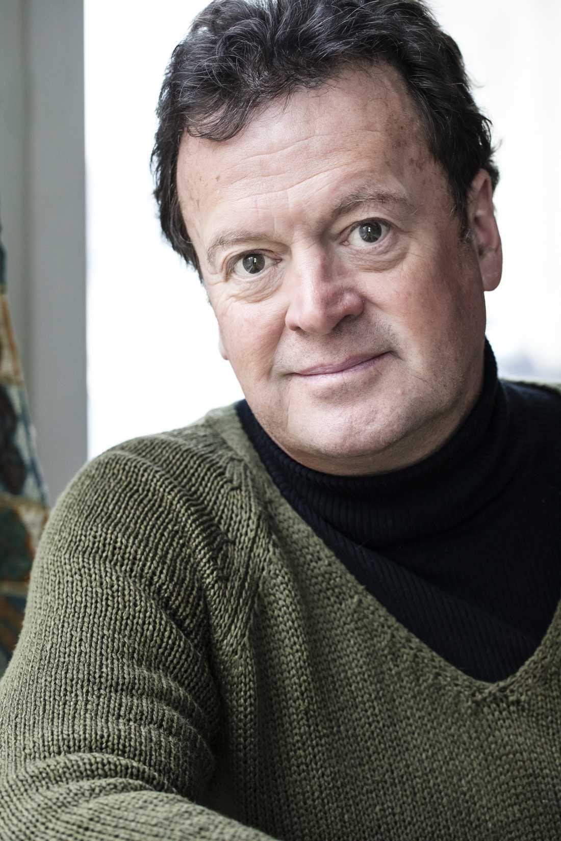 """Författaren Fredrik Ekelund (född 1953)berättar i boken """"Q"""" självutlämnande om sitt liv som transvestit."""