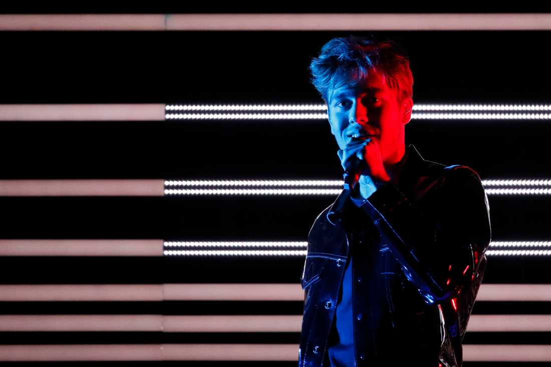 Benjamin Ingrosso på Eurovision-scenen när Will Ferrell kollade på