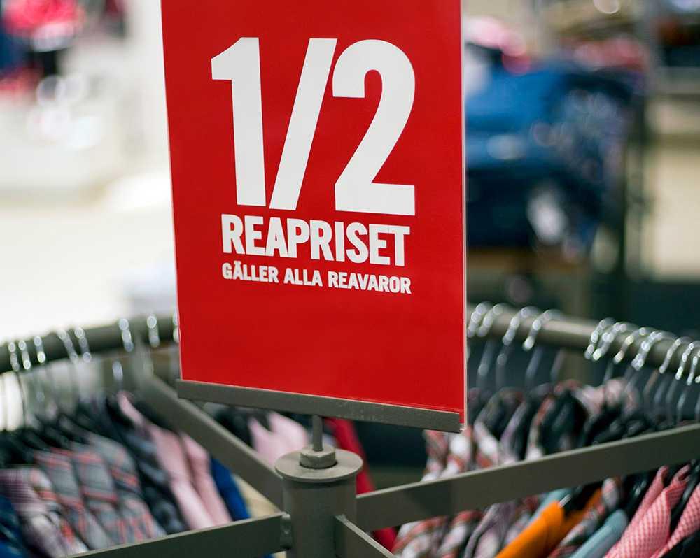 Sportbutiker fejkar ofta de ordinarie priserna när de rear ut sina varor, enligt Konsumentverket.