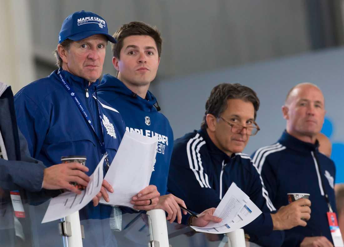 Torontos tränare Mike Babcock och general manager Kyle Dubas.