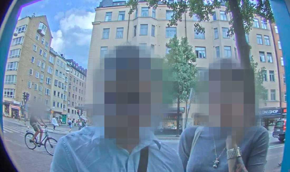 Bild från bankomatens inbyggda kamera.