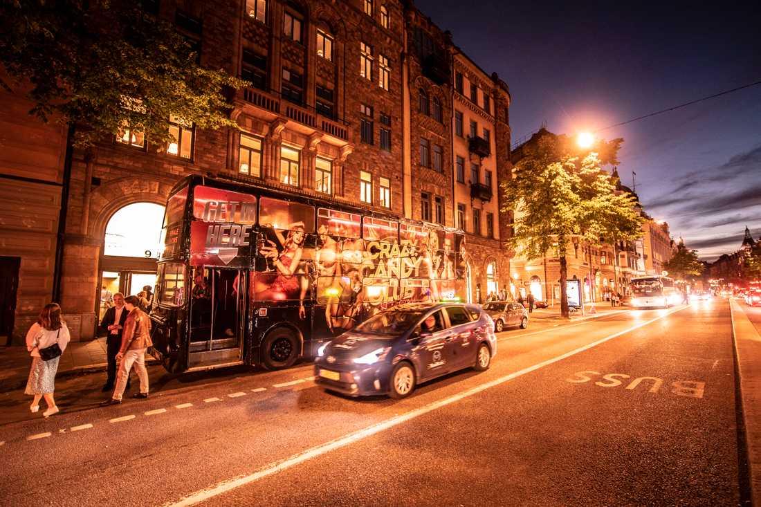 Bussen är en lösning för strippklubben då de haft svårt att hitta en lokal att hyra – då inga hyresvärdar vill hyra ut.