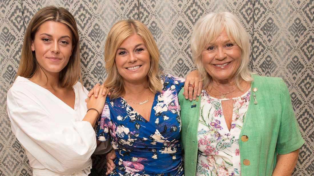 """Bianca Ingrosso, Pernilla Wahlgren och Christina Schollin har gjort succé med """"Wahlgrens värld"""" i Kanal 5."""