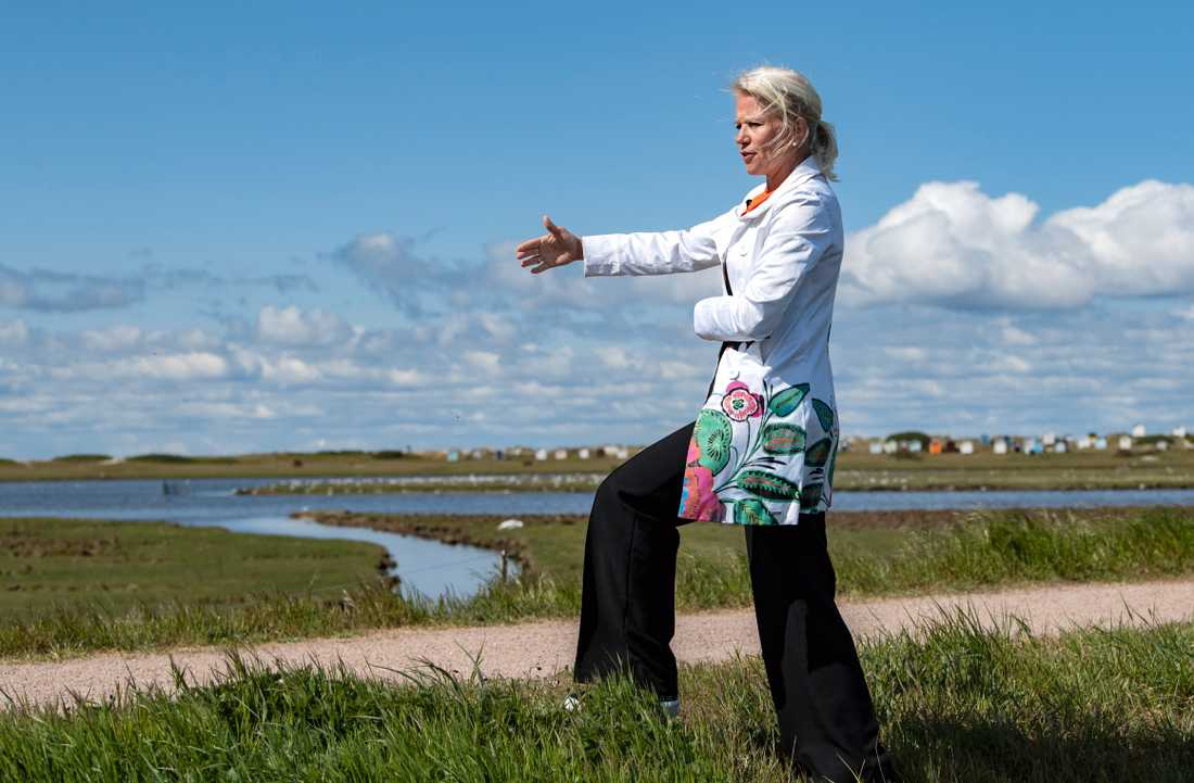 Kommunstyrelsens ordförande Carina Wutzler (M) ser översvämningsskyddet som en ödesfråga för Falsterbonäset. Arkivbild.
