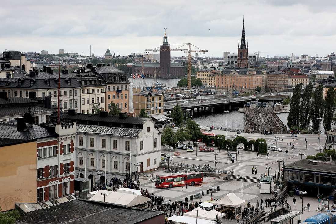 MITT PÅ TORGET Bussen stannade framför Stockholms stadsmuseum.