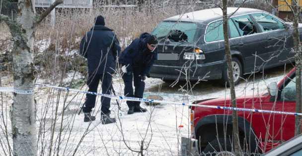 Polisen undersöker fastigheten i Vilhelmina.