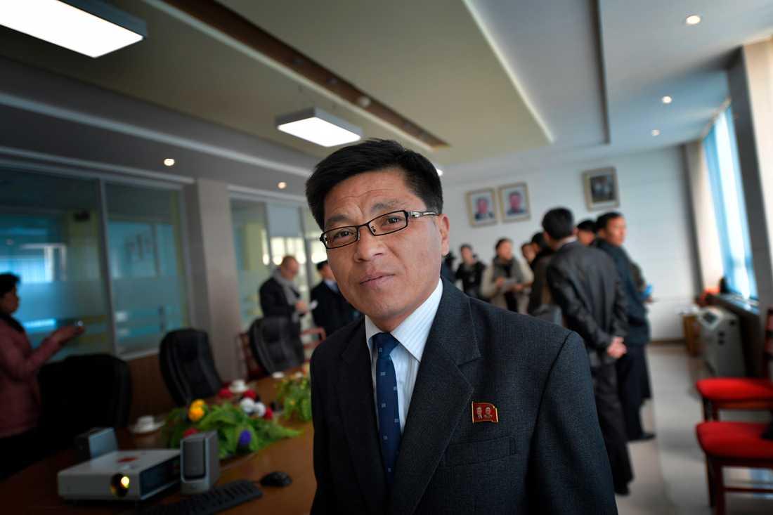 Seniore forskaren Kim Yu-Song.