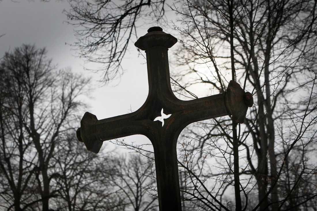 I onsdags upptäcktes att två gravsatta urnor försvunnit från en kyrkogård i sydöstra Skåne. Stölden kopplas samman med den senaste tidens metallstölder på kyrkogårdar i området. Arkivbild.