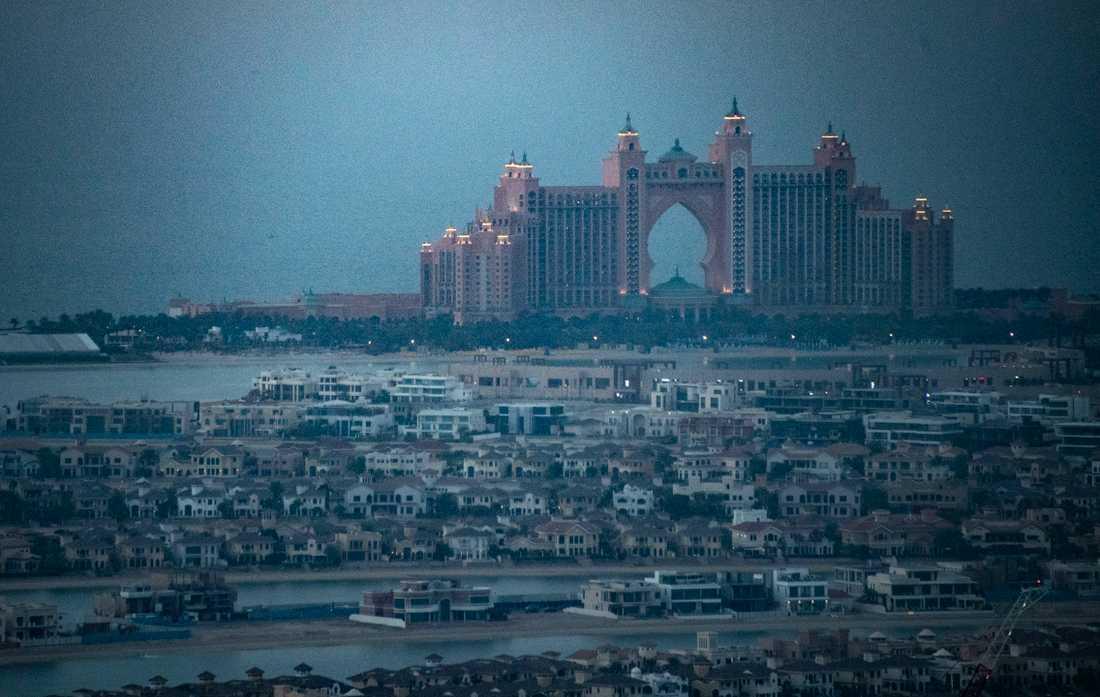 Atlantis Hotel The Palm Jumeirah Island. Förenade arabemiraten är ett land till ytan mindre än Norrbotten, Dubai en stad som årligen besöks av 16 miljoner turister från hela världen.