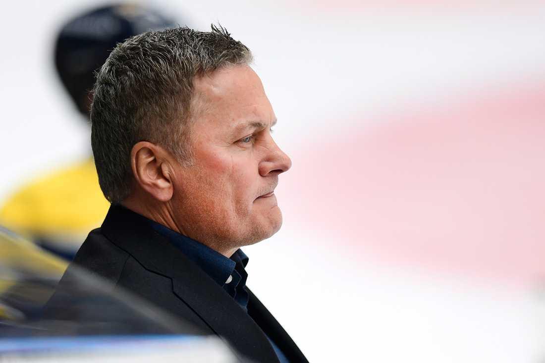 Nygamle HV-tränaren Stephan Lundh kunde inte hjälpa HV71 till några poäng mot Skellefteå. Arkivbild.