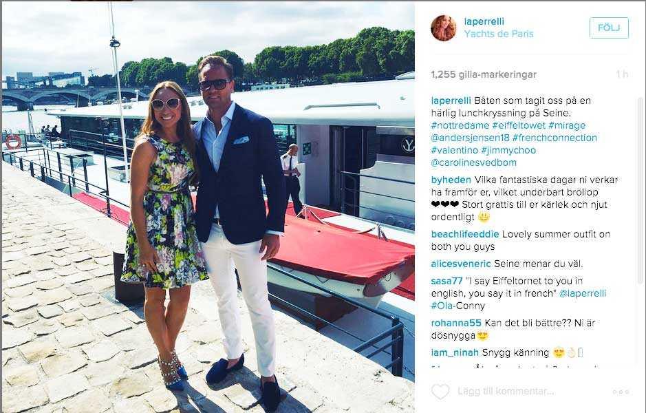 """""""Härlig lunchkryssning på Seine"""", skriver Charlotte Perrelli på sitt Instagramkonto."""