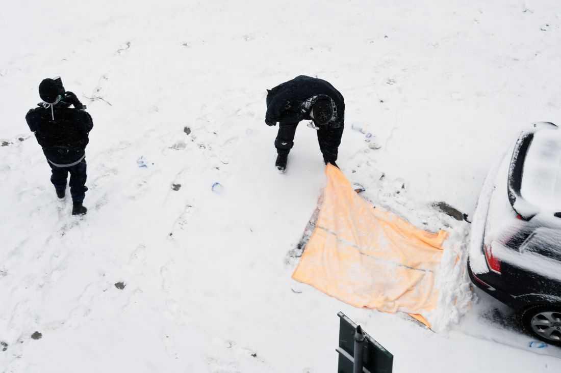 Gärningsmännen sprang i kapp mannen och högg ner honom på gatan.