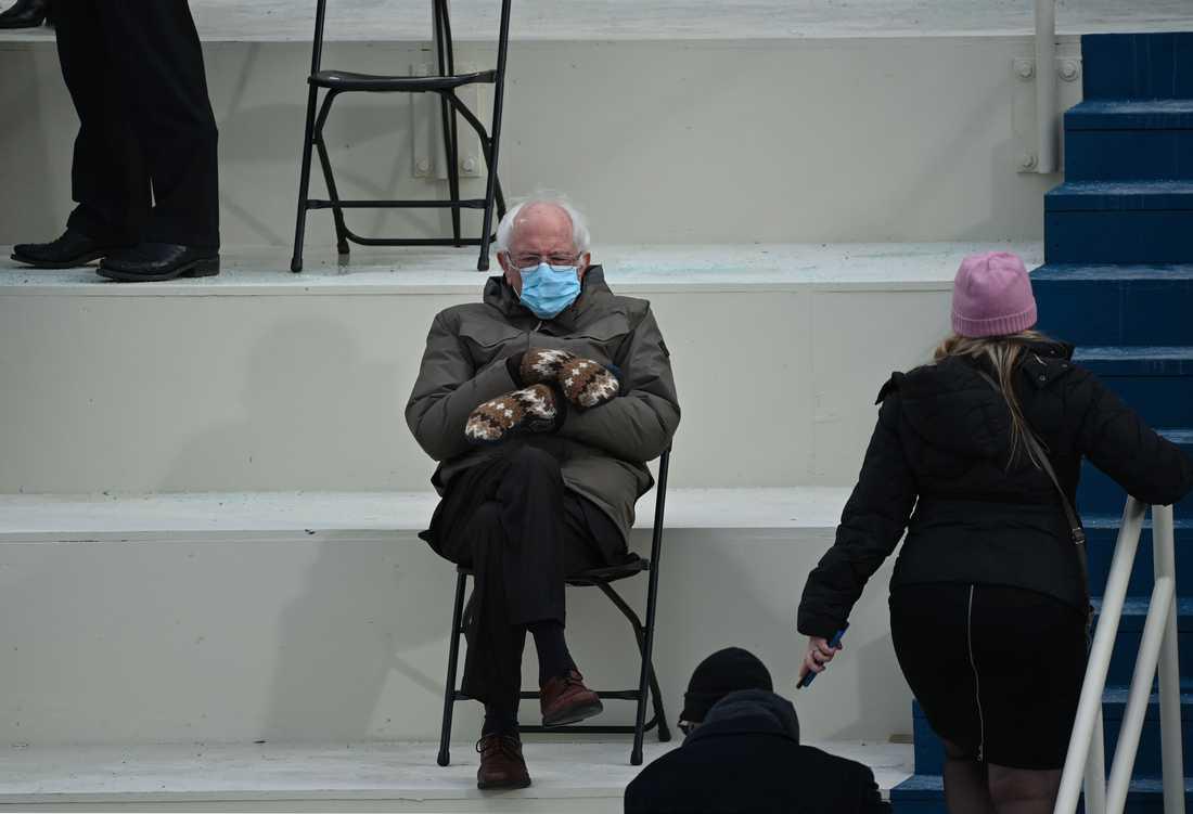 Bilden på Bernie Sanders vid presidentinstallationen i Washington DC har använts i alla möjliga fantasifulla kreationer de senaste dagarna.