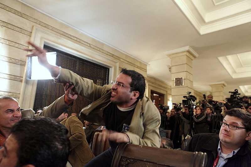 Muntazer Zaidi blev världsberömd när han under en presskonferens slungade sina båda skor mot president George W Bush. Nu avslöjar han att attacken var noga förberedd.