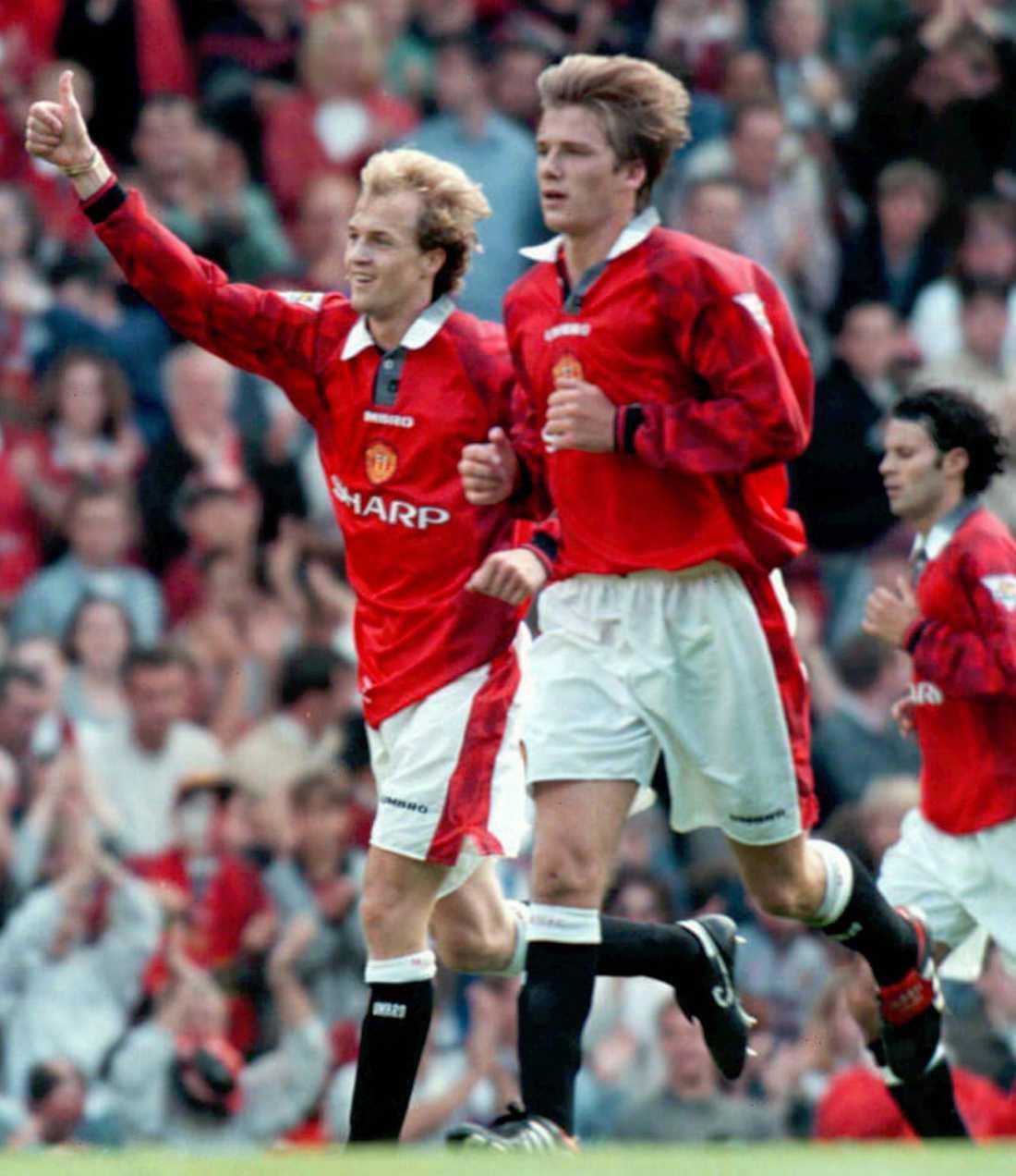 Jordi Cryuff och David Beckham efter att Manchester United gjort 1-0 hemma mot Blackburn i augusti 1996. Matchen slutade 2-2.