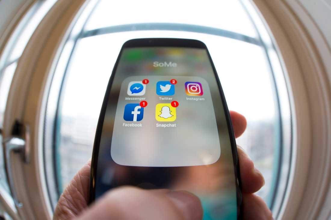 Sociala medier som Snapchat och Instagram utgör en stor del av ungdomars liv. Arkivbild.