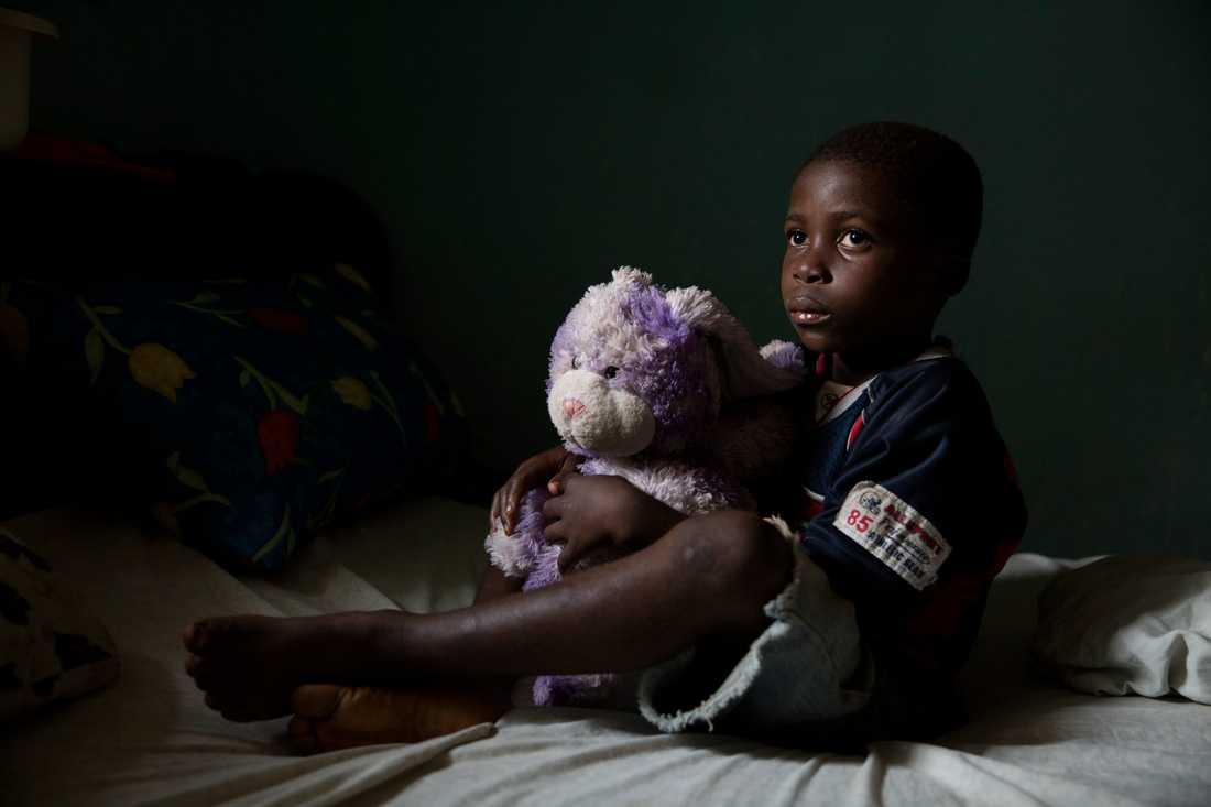 Harchie 7, förlorade sin mamma och pappa i Ebola.