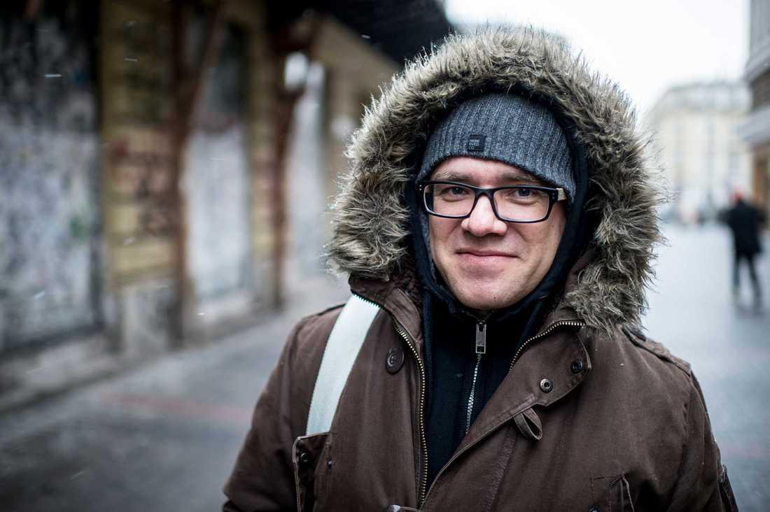 Jarek Wojcik, 40, ingenjör, Warszawa: – Jag tittar varken på tv eller radio utan får alla mina nyheter från internet så mig påverkar det inte. Jag röstade på dem.
