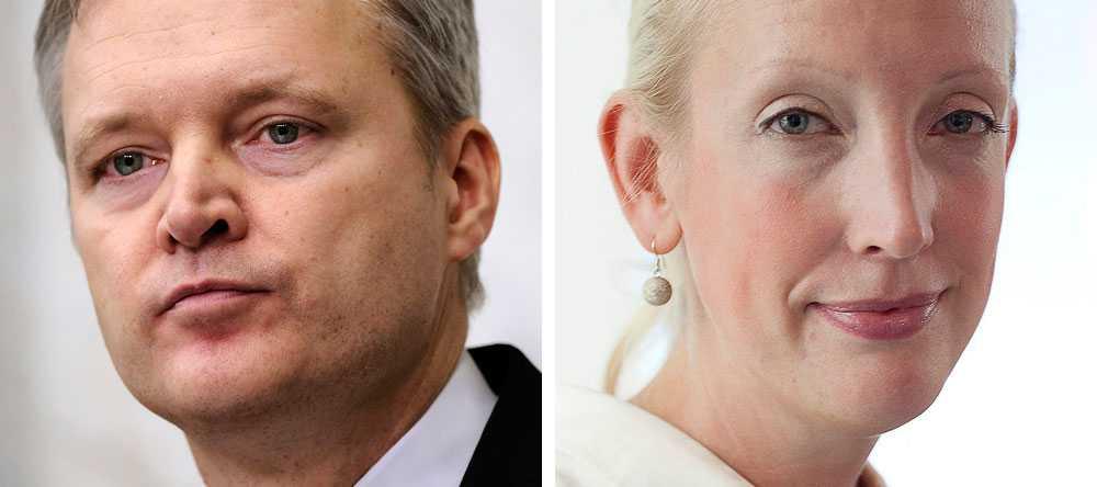 ROS OCH RIS  När försvarsminister Sten Tolgfors avgick i slutet av mars stod Fredrik Reinfeldt vid hans sida och öste beröm... men på pressträffen där det meddelades att Sofia Arkelsten lämnar sitt jobb som partisekreterare fick hon inte ens medverka.