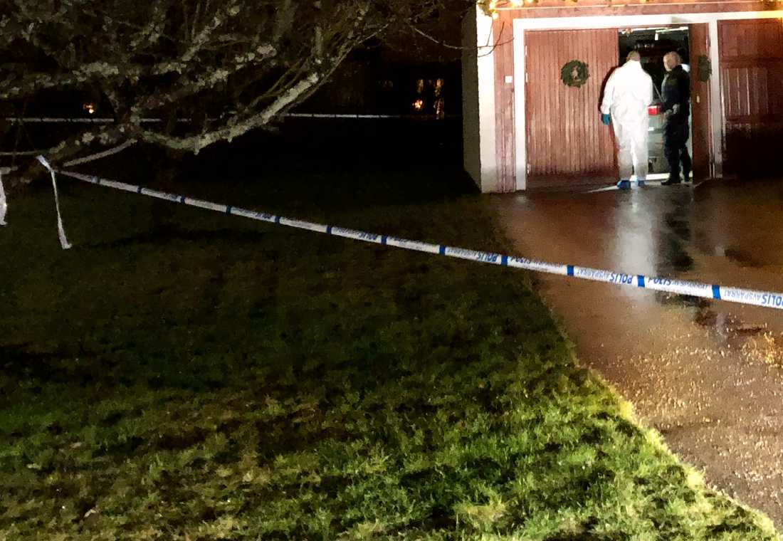 En kvinna hittades död i en villa i Västerås på julafton.