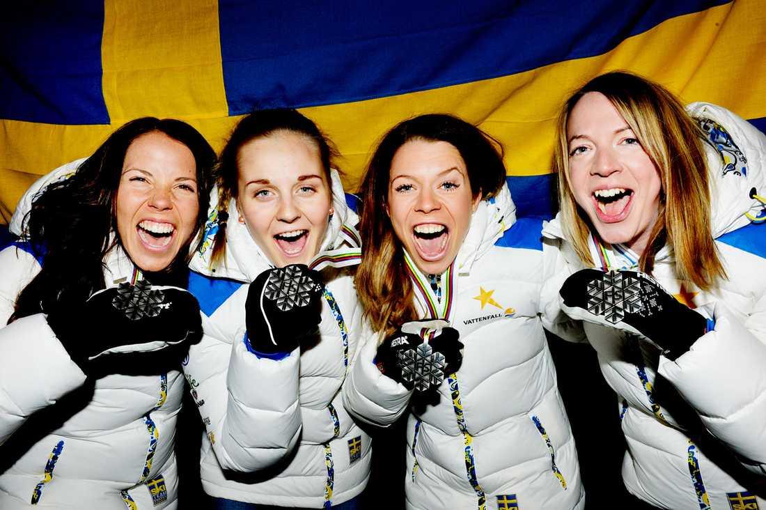 Charlotte Kalla, Stina Nilsson, Maria Rydqvist och Sofia Bleckur tog silver på stafetten i VM i Falun förra året.