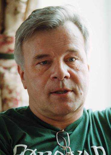Jan Guillou lämnade minnesstunden i protest.