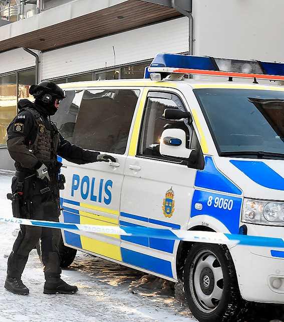 Hanne Kjöller har skrivit om tystnadskulturen i den svenska poliskåren.