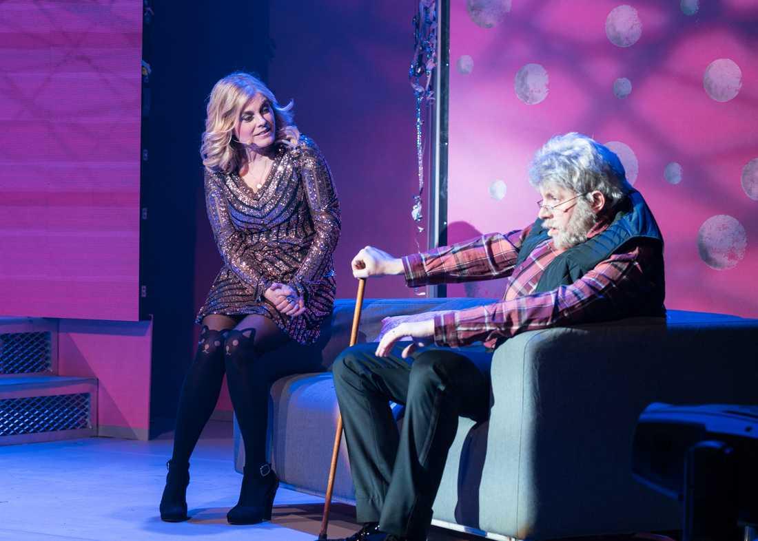 """– När jag ställde upp i Melodifestivalen 1991 var Carola och jag storfavoriter i förväg. För henne gick det bra, hon vann med """"Fångad av en stormvind"""". För mig gick det åt skogen. Måns Nathanelson spelar Leif GW Persson, som reder ut varför det gick så dåligt för mig."""
