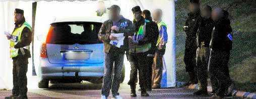 Fast i razzian. 170 bikers fastnade i polisrazzian mot mc-festen i Göteborg.