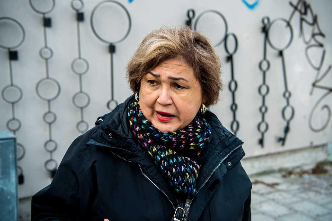 """""""Jag har bott i Vårby gård i 33 år och här har det aldrig hänt något. Det är så hemskt"""", säger Cristina Cruz, 67."""