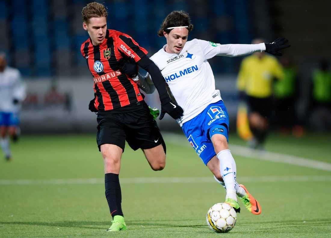 Felix Beijmo mot Norrköpings David Moberg Karlsson när Brommapojkarna spelade mot Norrköping i semifinalen i Svenska Cupen mellan IFK Norrköping och IF Brommapojkarna i Östgötaporten 19 mars 2017.