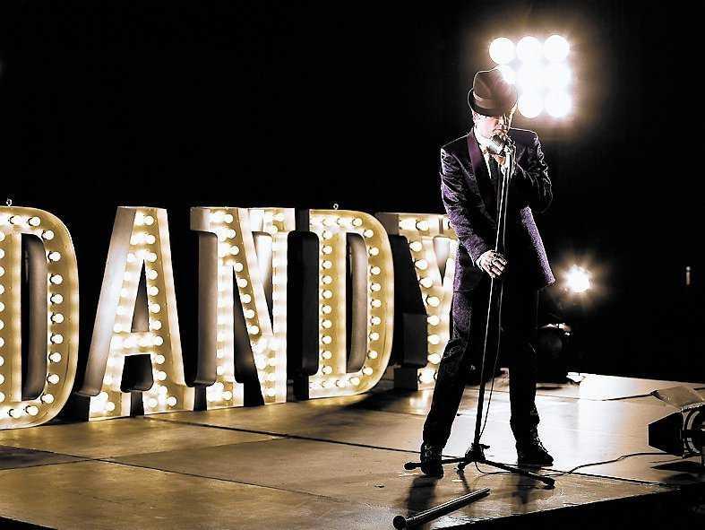 Så här ska Dandy se ut på scen.