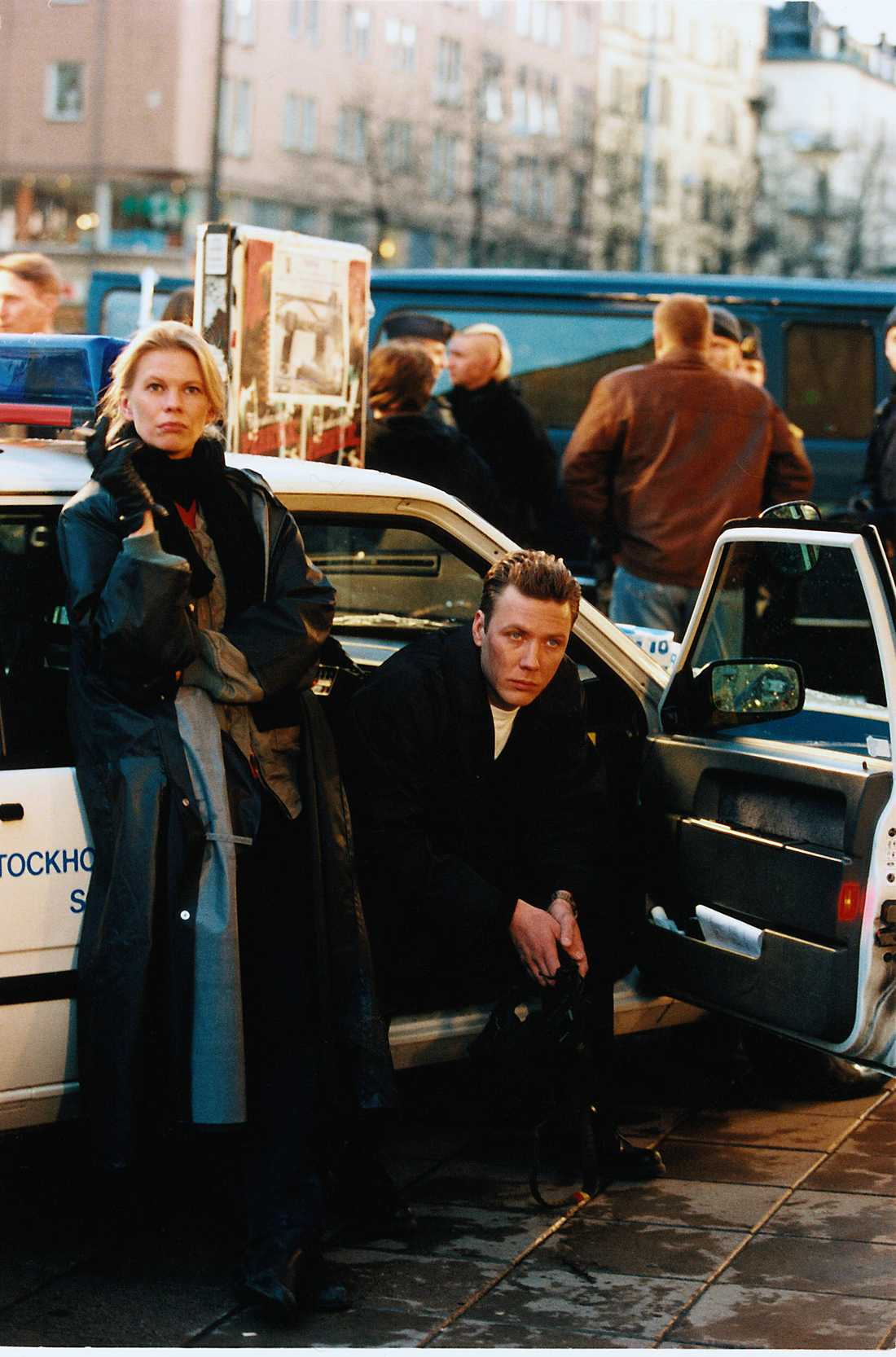 """Stina Rautelin och Mikael Persbrandt i """"Beck""""."""