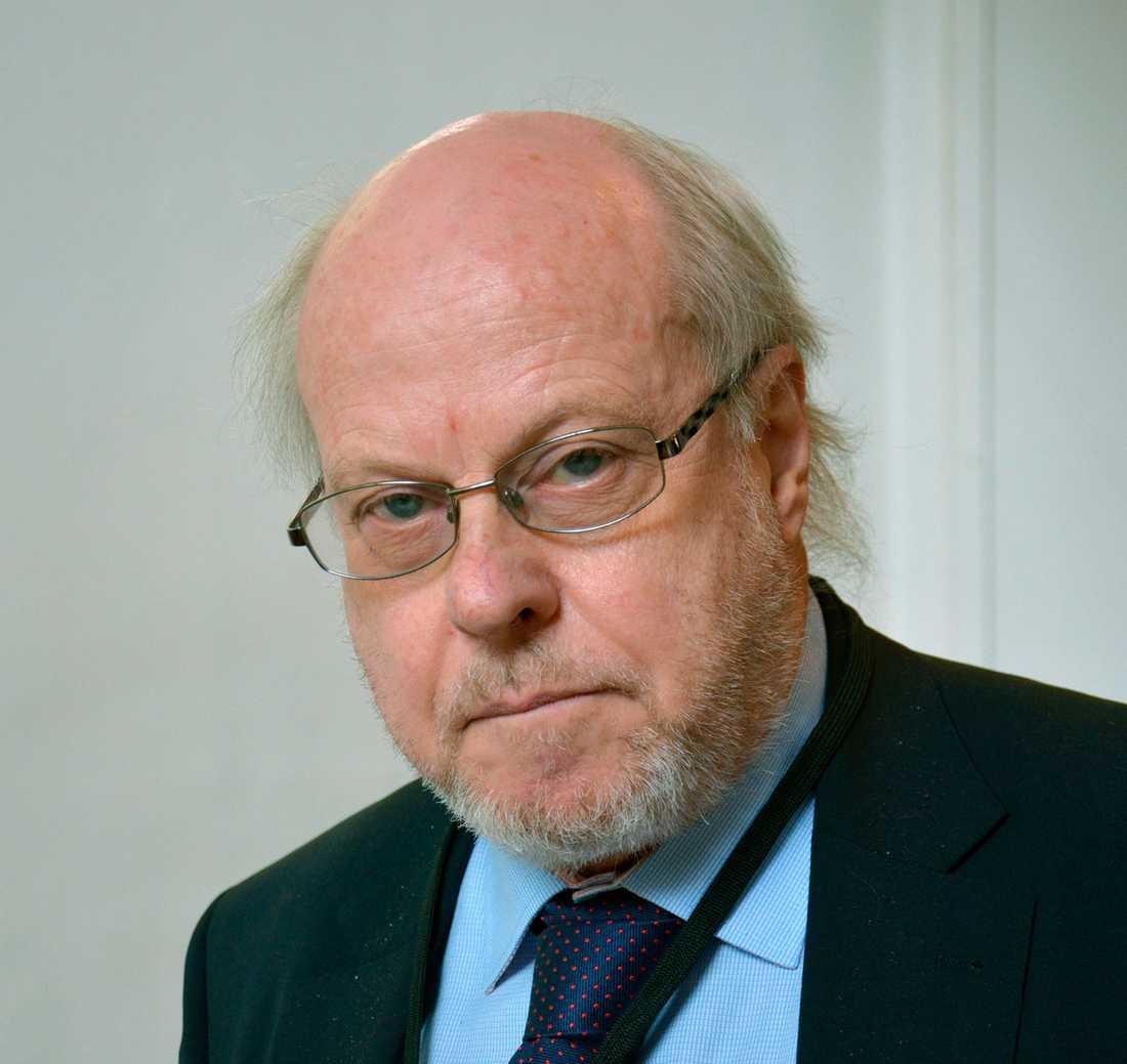 Olof Ehrenkrona har sedan fyra decennier tillbaka varit en nära följeslagare till Carl Bildt.