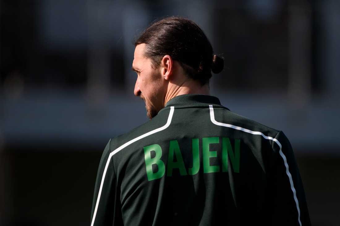 Zlatan Ibrahimovic är både delägare i Hammarby, som han tränade med under våren, och spelare i Milan. Arkivbild.