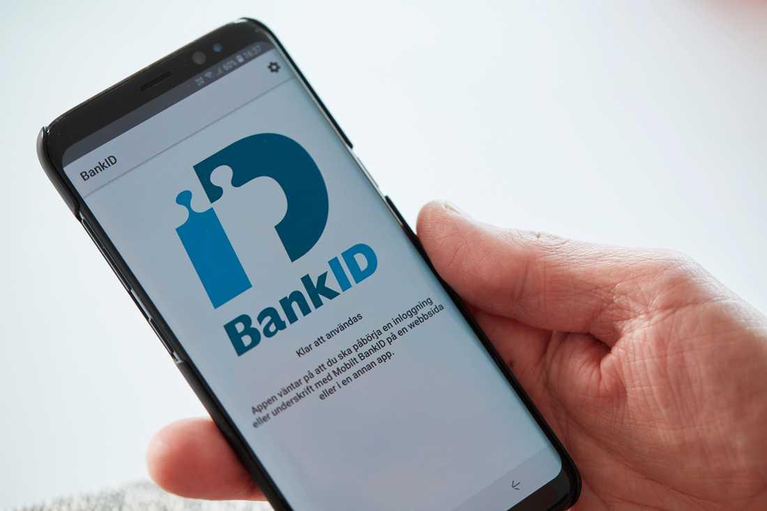 Bedrägerierna ska ha skett med hjälp av kapade bank-ID. Arkivbild.