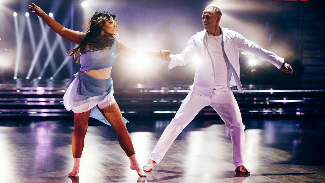 """Carola Häggkvist med sin danspartner Tobias Karlsson i """"Let's dance""""."""