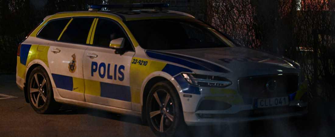 Polis på plats i Nacka-