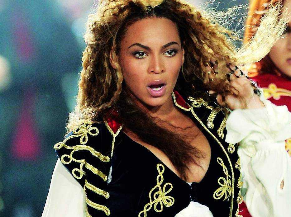 Fullt ös på scen för Beyoncé!