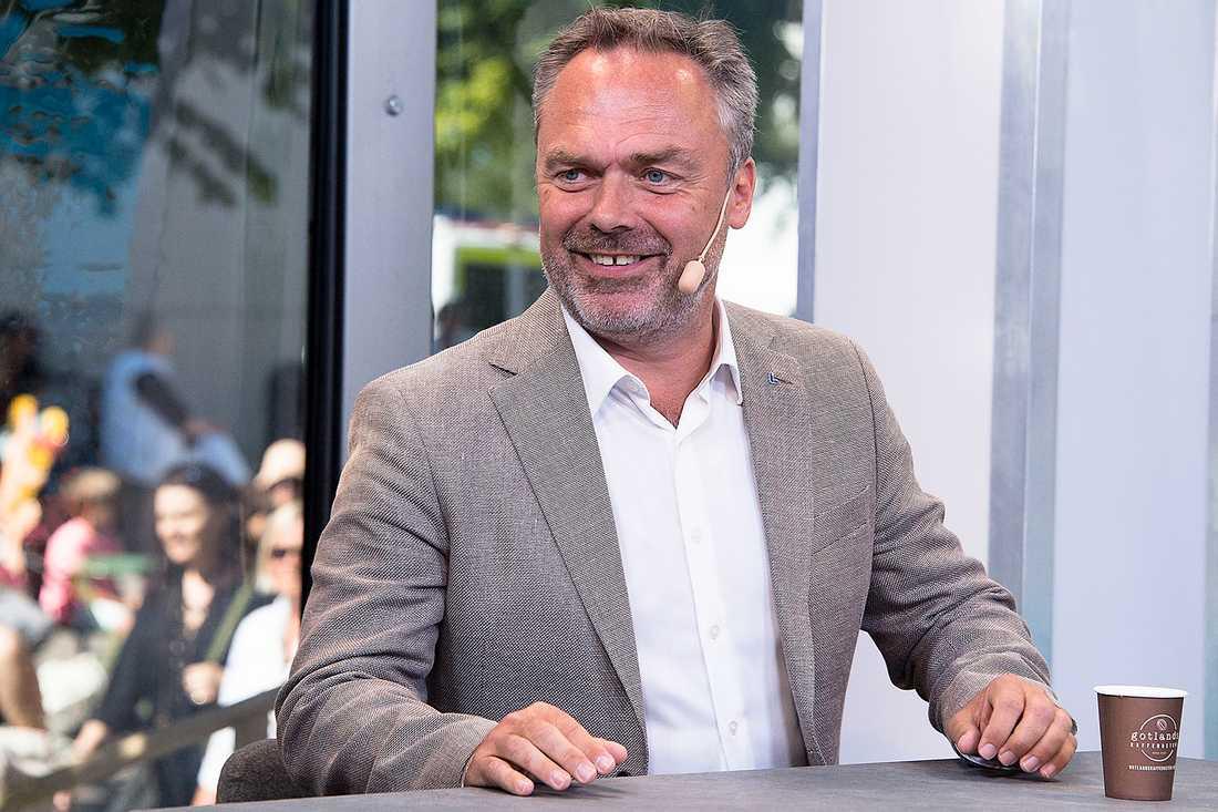 FÖRST UT När Jan Björklund öppnade årets Almedalen i går pratade han om att flyktingar riskerar att vrida jämställdheten tillbaka hundra år.