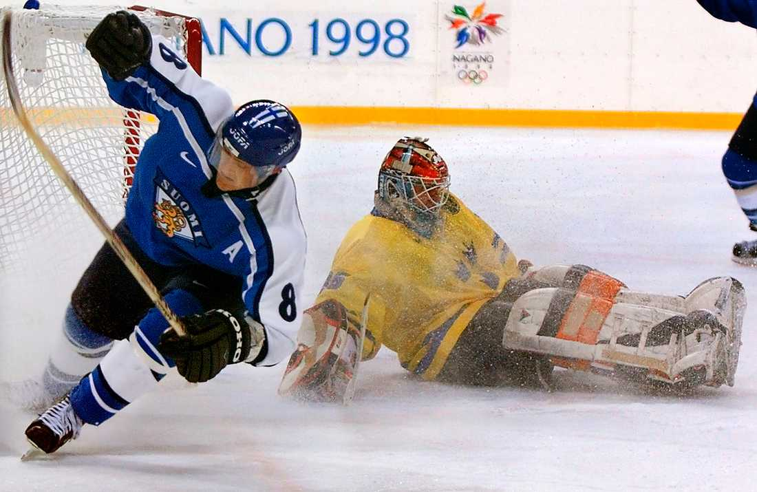 Selänne i OS 1998, NAGANO 5 matcher, 4 mål + 6 assist = 10 poäng. Finlands placering: BRONS