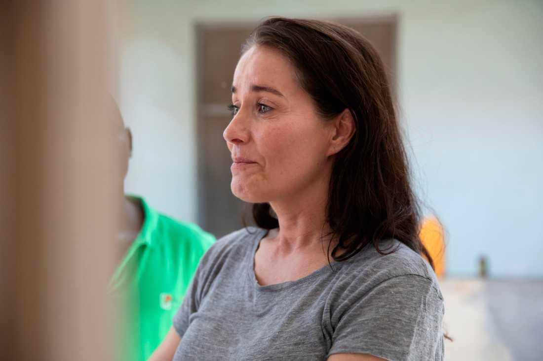 Känslosamt. Agneta Sjödin kämpar mot tårarna under besöket på barnsjukhuset i Sydsudan.