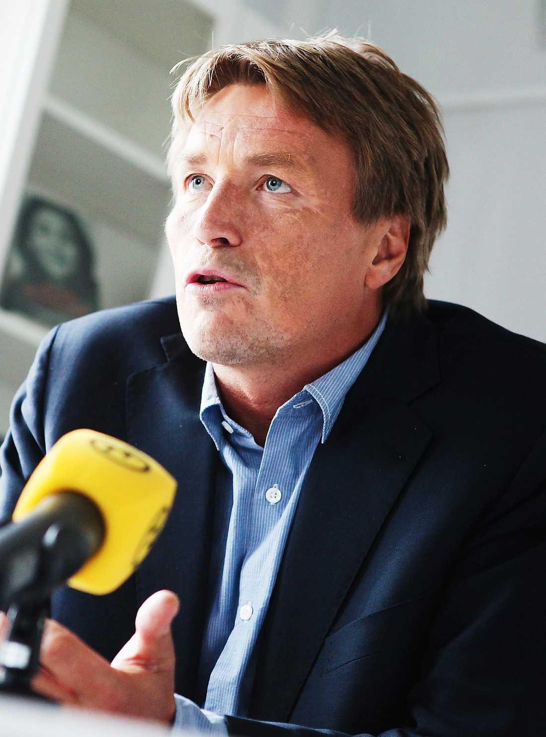 """Thomas Bodström, 49: Justitieminister i Göran Perssons regering. Populär bland väljarna. """"Det är så klart väldigt smickrande att jag får höga siffror men det är fortfarande inte aktuellt. Om jag mot förmodan skulle få frågan skulle jag tacka nej"""", säger han till Aftonbladet."""