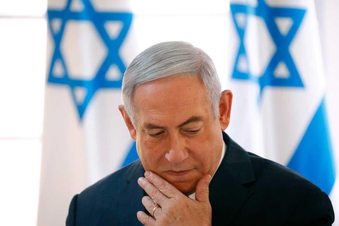Benjamin Netanyahu förhörs gällande misstankar om korruption. Arkivbild.