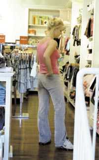Britney Spears shoppade i babybutiken.