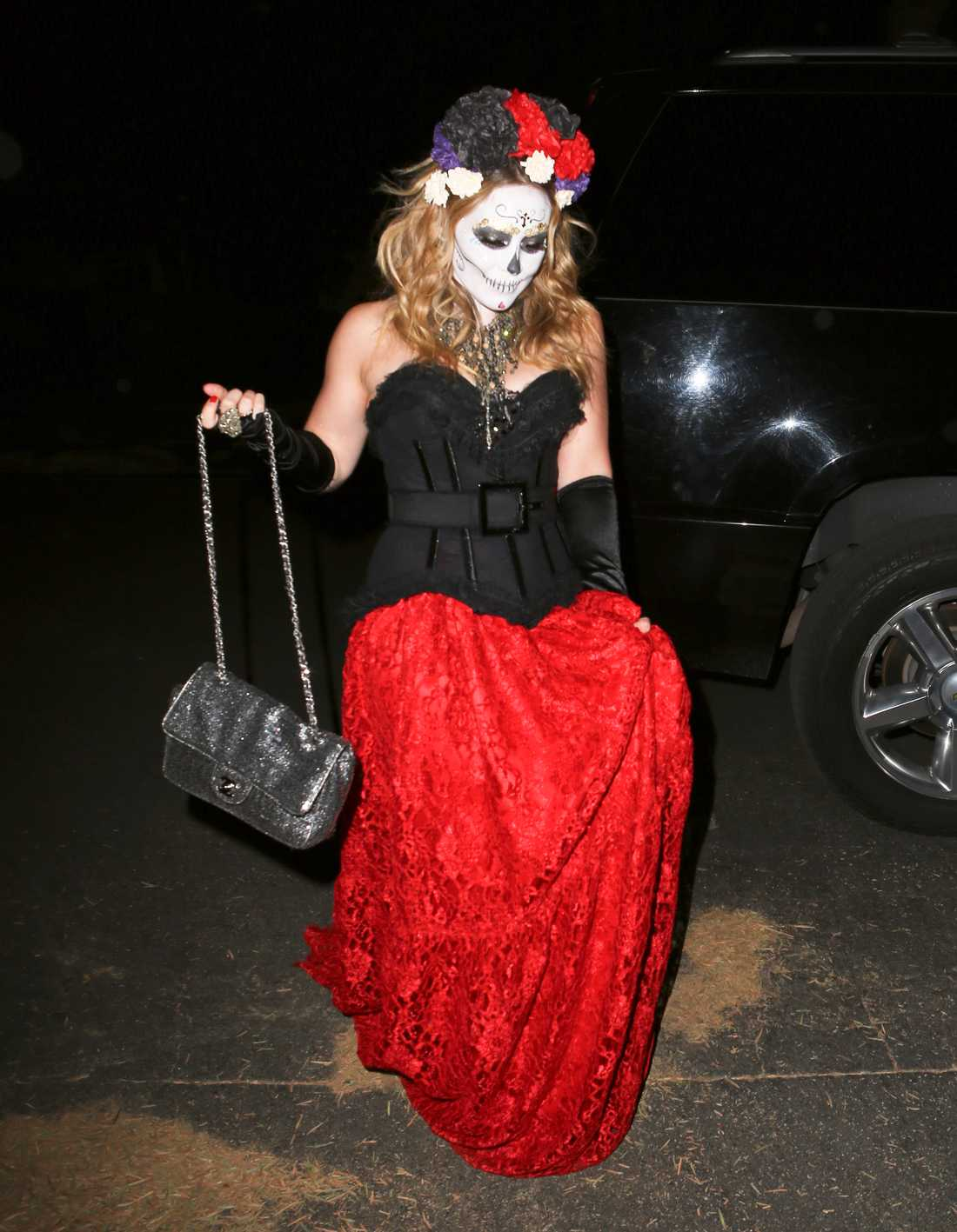 Hilary Duff i spöklik ansiktsmålning.