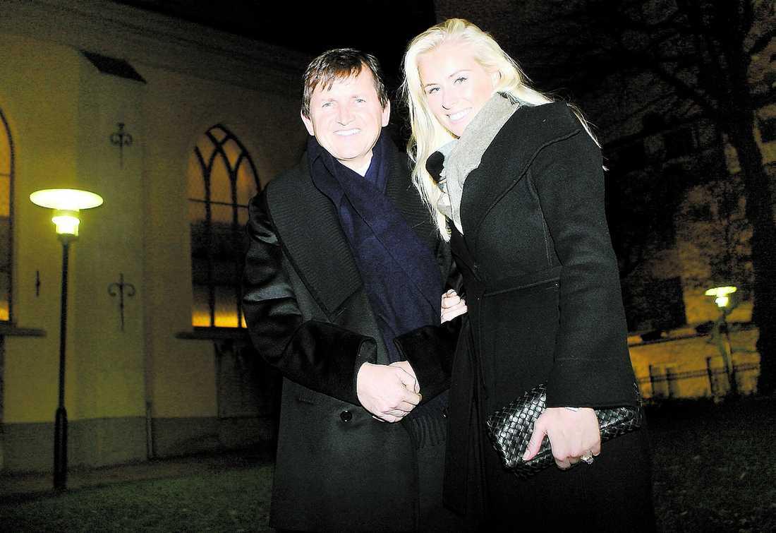 BERÄTTAR ÄNTLIGEN Svenska Lisa Persdotter och miljardären Charles Simonyi gifter sig i helgen – i Göteborg.